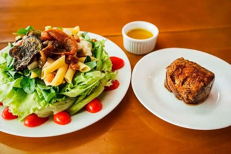 Saladas com Acompanhamento